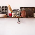 open shelving kitchen backsplash